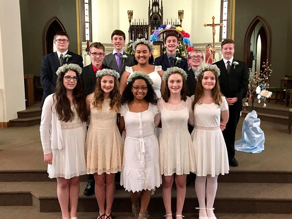 Seton May Crowning 2019